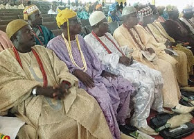 Fayemi's media aide accuses Ekiti Obas of collecting bribe