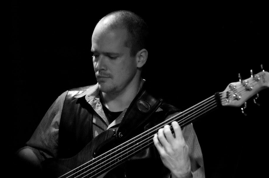 Mário Polónyi - basová gitara