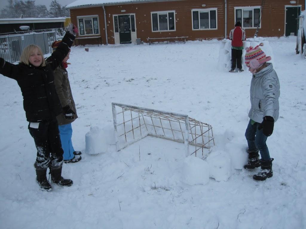 Welpen - Sneeuwpret en kerstbal maken - IMG_2706.JPG
