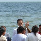 Bautizos de Holcá 2012 - praying%2Bover%2Bthose%2Bthat%2Bwere%2Bbaptized.jpg