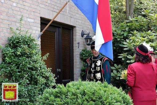 Koningschieten Sint Theobaldusgilde overloon 01-07-2012 (124).JPG