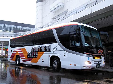 南海バス「サザンクロス」長岡・三条線 ・110