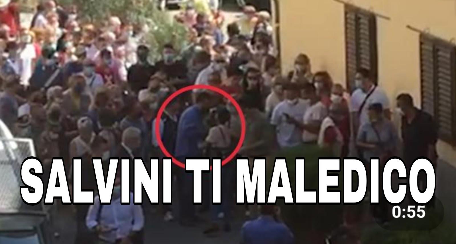 Ultim'ora: Salvini aggredito da una giovane, camicia strappata e catenina rotta.