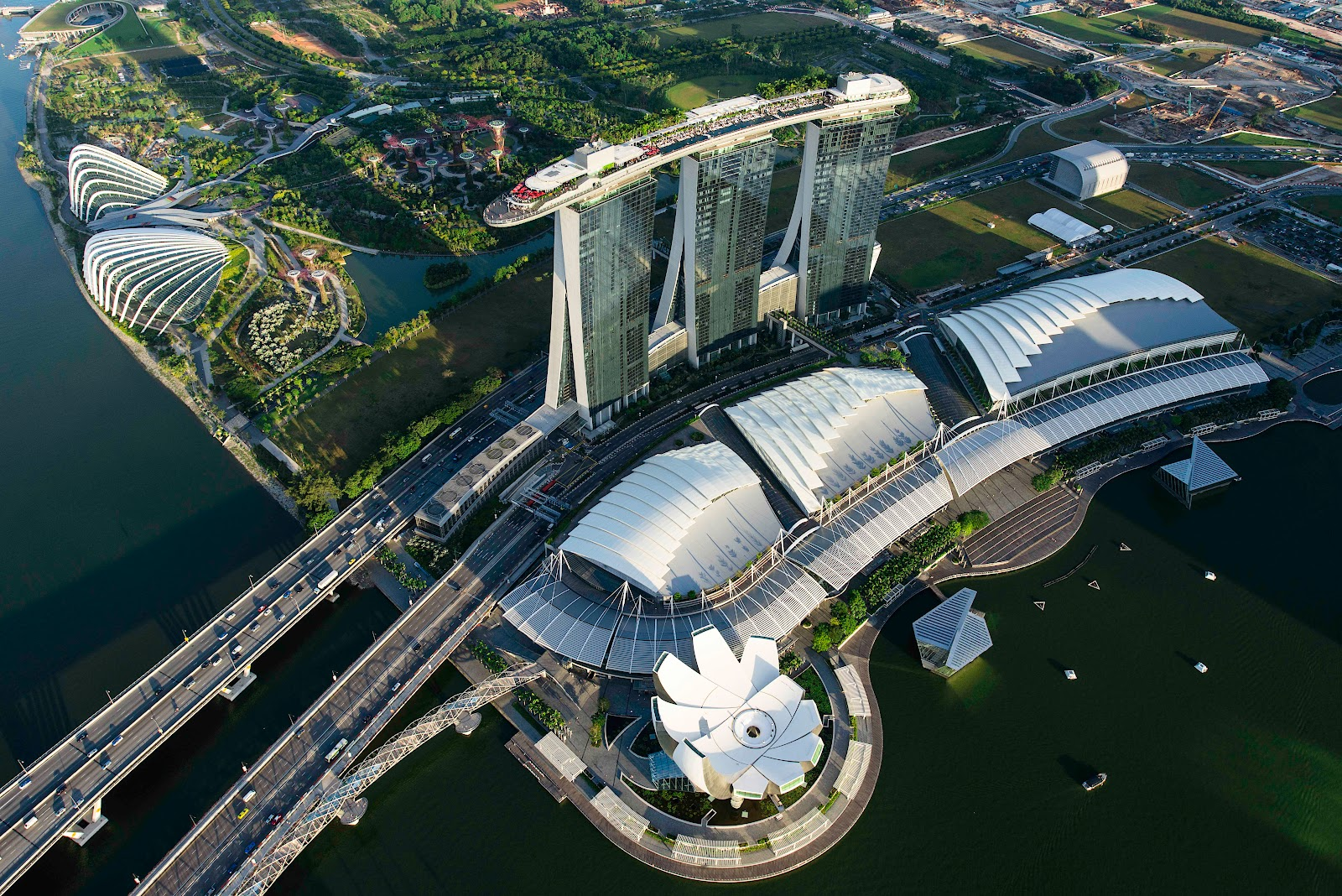 Marina Bay Sands Stay In Comfort Extravagance And Art