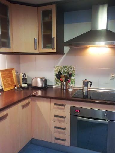 Encimera color chocolate decorar tu casa es for Encimera marron chocolate