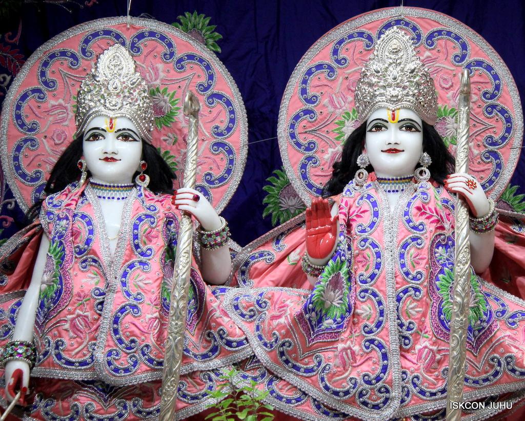 ISKCON Juhu Mangal Deity Darshan on 30th Sep 2016 (9)