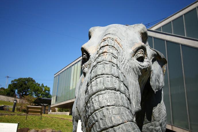 壱岐文化ホールのステゴドン像