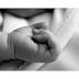Casal mata recém-nascido ao deitar bêbado sobre a criança