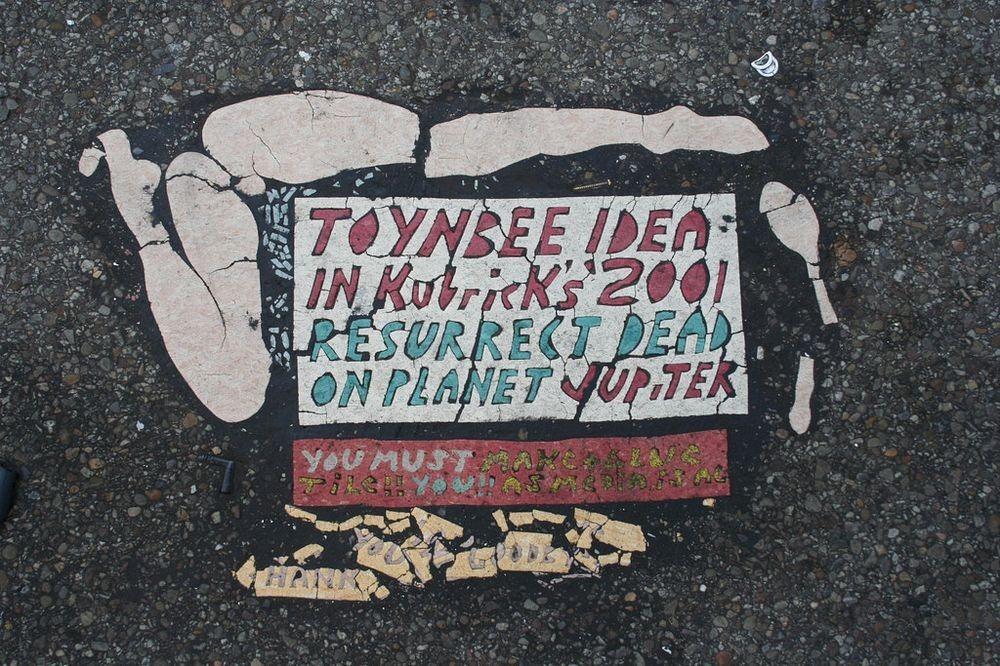 toynbee-tiles-3