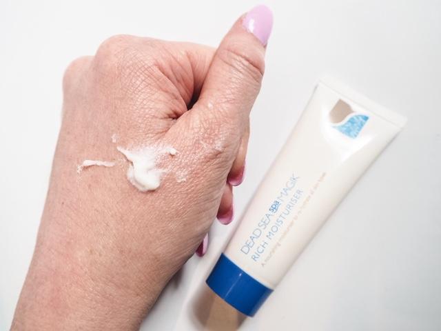 beauty-blog-review-boswell-&-Co-oxford-dead-sea-spa-magik-rich-moisturiser