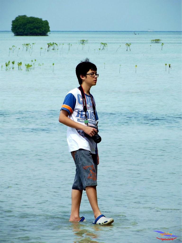 family trip pulau pari 140716 Fuji 012