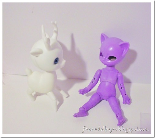 Unboxing a Hujoo Nano Freya, the tiny purple cat ball jointed doll.
