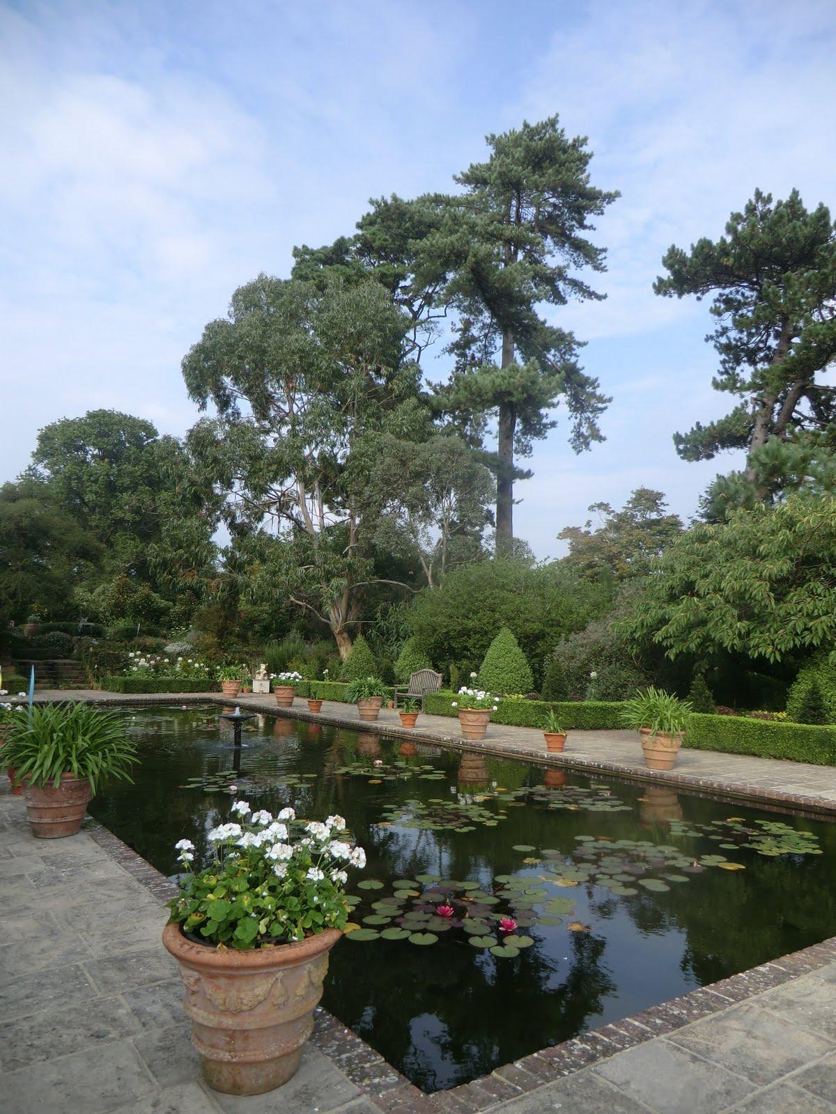 CIMG4638 Italian Garden, Borde Hill