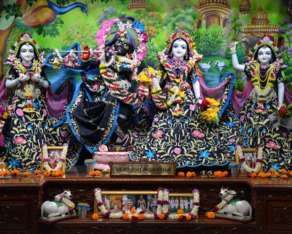 ISKCON Nasik Deity Darshan 03 Feb 2016 (11)