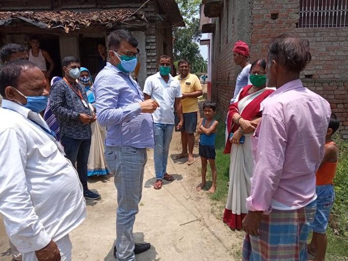 मोतिहारी : अनुमंडलाधिकारी ने आरबीएसके टीकाकरण दल का किया निरीक्षण