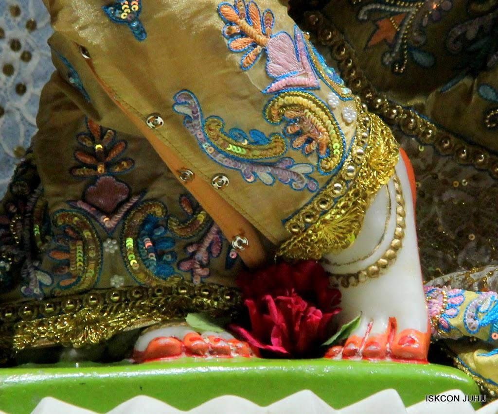 ISKCON Juhu Mangal Deity Darshan on 29th May 2016 (27)