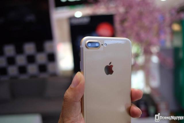 Giá bán của iPhone 7 Plus nhái chạy Android chỉ 2,3 triệu đồng, sử dụng chip MediaTek và chạy nền tảng Android