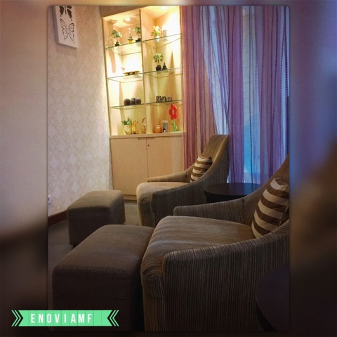 Ruang tunggu di MOM N JO FX Sudirman