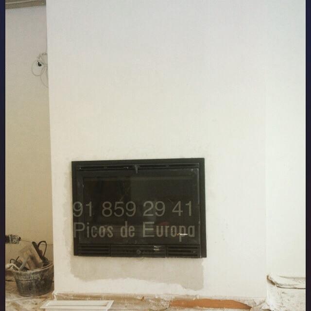 Chimeneas picos de europa chimenea abierta adaptada a - Decoracion para chimeneas de lena ...