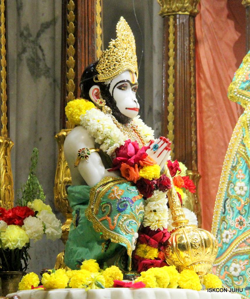 ISKCON Juhu Sringar Deity Darshan on 19th Jan 2017 (36)