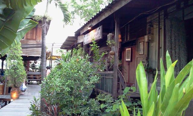 บ้านระเบียงน้ำ, 23 ถนนสนามบินน้ำ อำเภอเมืองนนทบุรี นนทบุรี 11000, Thailand