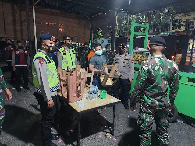 Gerakan Disiplin Prokes Kepada Masyarakat, Unsur 3 Pilar Bersinergi Gencarkan Himbauan dan Teguran di Malam Hari