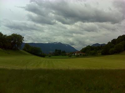 Blick zum Dobratsch (2166 m)