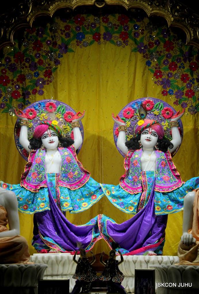 ISKCON Juhu Mangal Deity Darshan on 31st July 2016 (33)