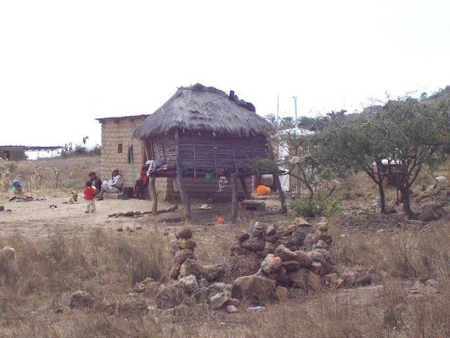 Fundacion Clinica de Medicina Indigena DIC.09 - 149625_158663104168729_100000751222696_251341_8045618_n%255B1%255D.jpg