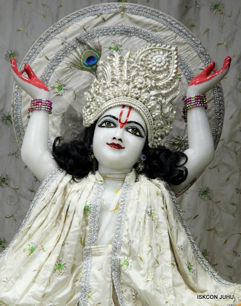 ISKCON Juhu Mangal Deity Darshan on 8th Sep 2016 (37)
