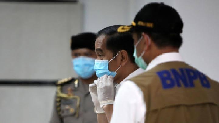 Jokowi Beberkan Alasan Tolak Lockdown: RI Paling Pas Physical Distancing