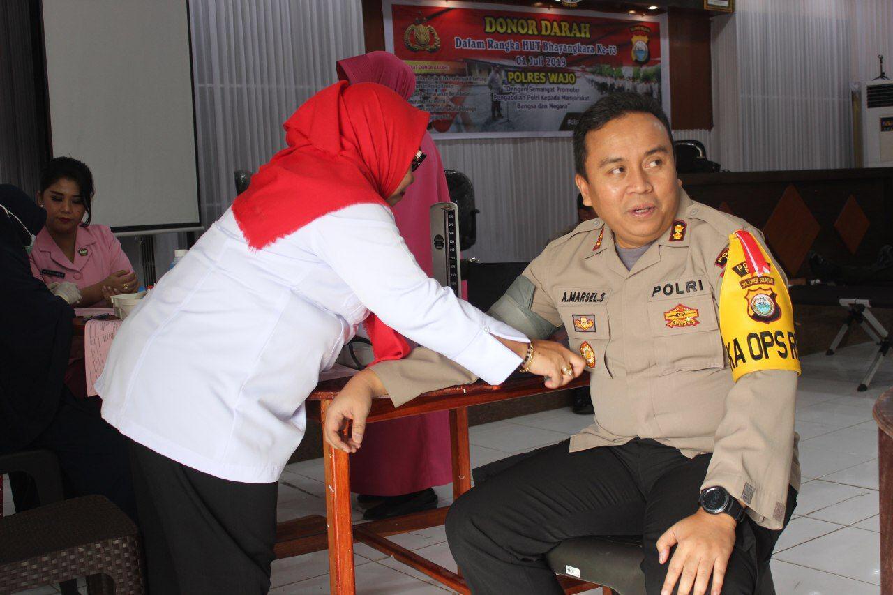 Sambut HUT Bhayangkara ke-73, TNI-Polri Donor Darah