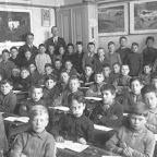 1932 of eerder Jongens in schoolklas  voor 1932_BEW.jpg