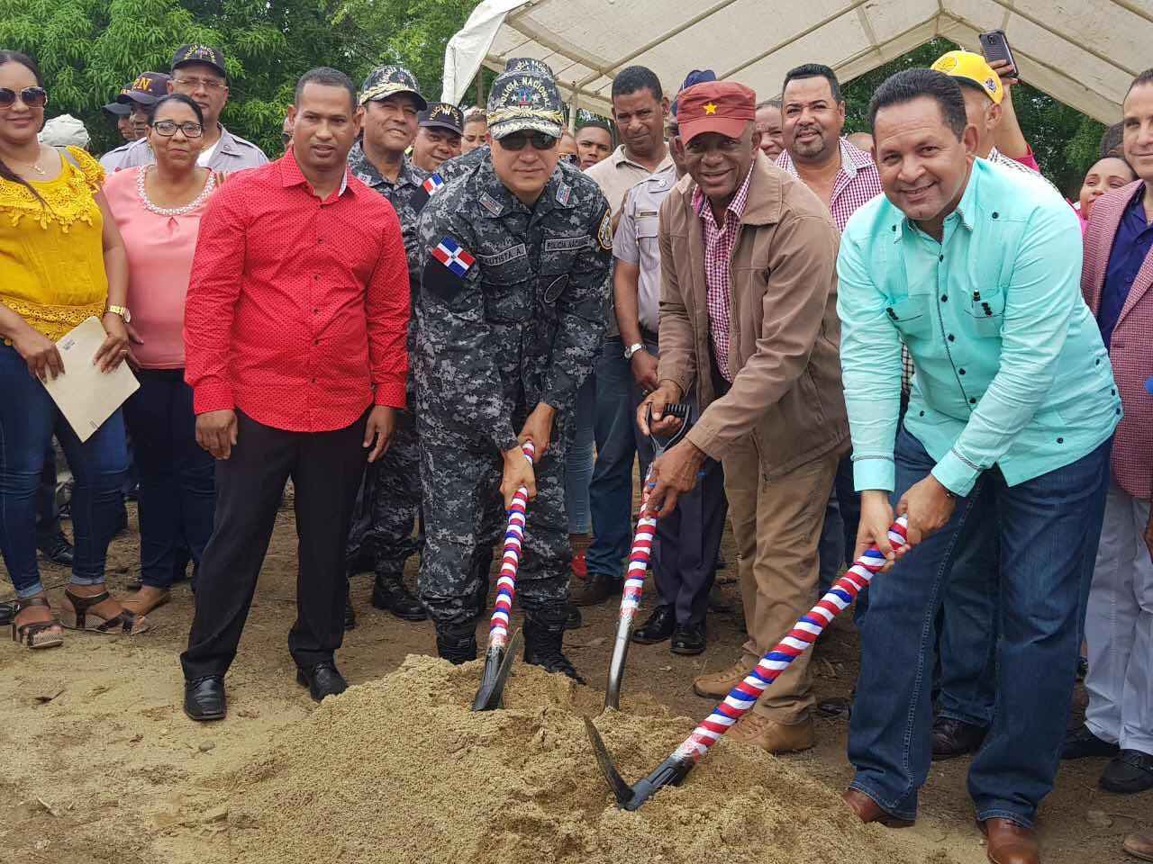 Desarrollo Fronterizo y Policía Nacional inician construcción destacamentos en Guayubin y Cana Chapetón.