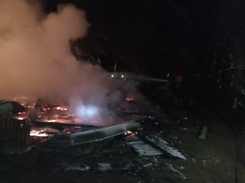 Kebakaran Kembali Terjadi,Satu Unit Rumah Panggung Di Soppeng Ludes Terbakar