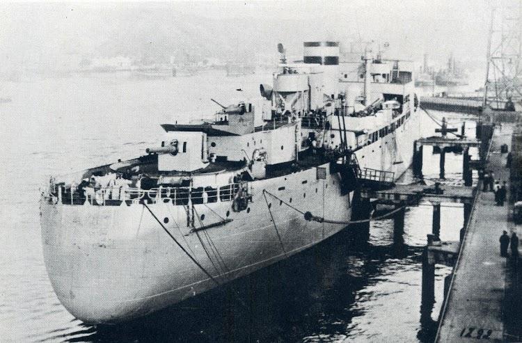 El MAR NEGRO ya convertido en crucero auxiliar. Del libro La Marina Mercante y el Trafico Maritimo en la Guerra Civil.JPG