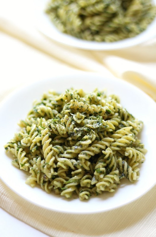 Easy-Vegan-Pesto-Pasta-3