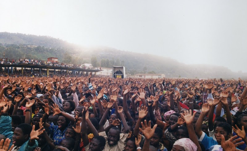 Bukavu hands208.jpg