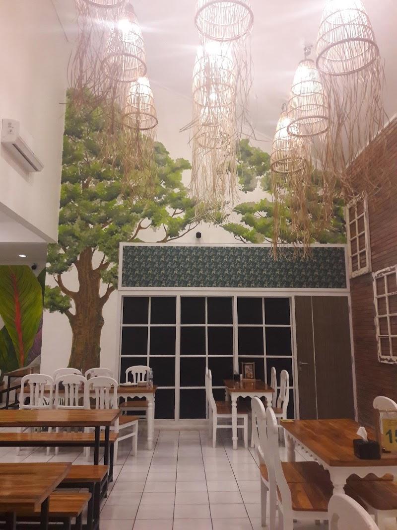 Review : Ayam Goreng Fatmawati Makassar