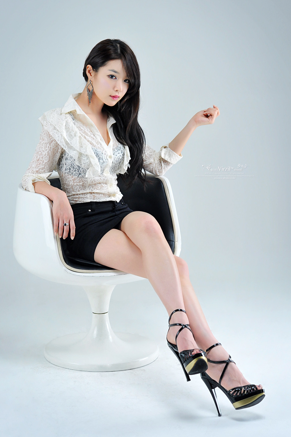 OMG!!! Too Hot to Handle! Sexy Office Lady Lee Eun Seo (이은서)!