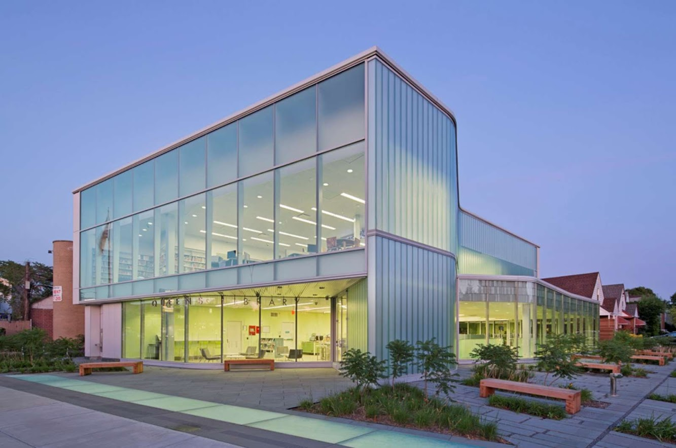 Queens, New York, Stati Uniti: Glen Oaks Branch Library by Marble Fairbanks