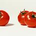 Tips cantik menggunakan buah tomato yang pastinya murah dan berkesan