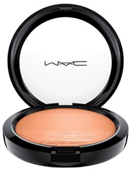 MAC_ExtraDimensionSkinfinishShadeExt_ExtraDimensionSkinfinish_GlowWithIt_white_300dpi_1