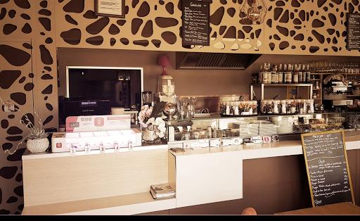 LA TERRASSA La Ciotat Restaurant avec recharge gratuite téléphone borne charge phone