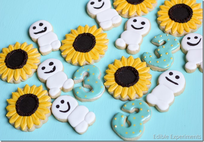 Frozen Fever Sugar Cookies: Snowgies and Sunflowers