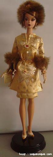 Barbie Silkstone Je ne sais quoi: vista completa de la muñeca