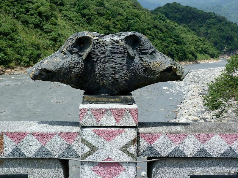 Puli  en passant , entre autres, par les villages de l ethnie Bunum de Loloko et Dili. J 10 - P1160832.JPG