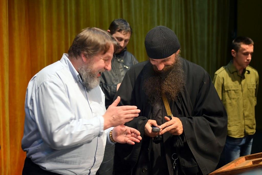 077 Avva Justin Parvu si Sfintii inchisorilor (Teatrul Luceafarul, Iasi, 2014.03.19)