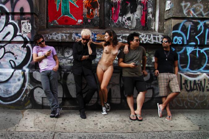 Erica Simone: Nue York - Bowery