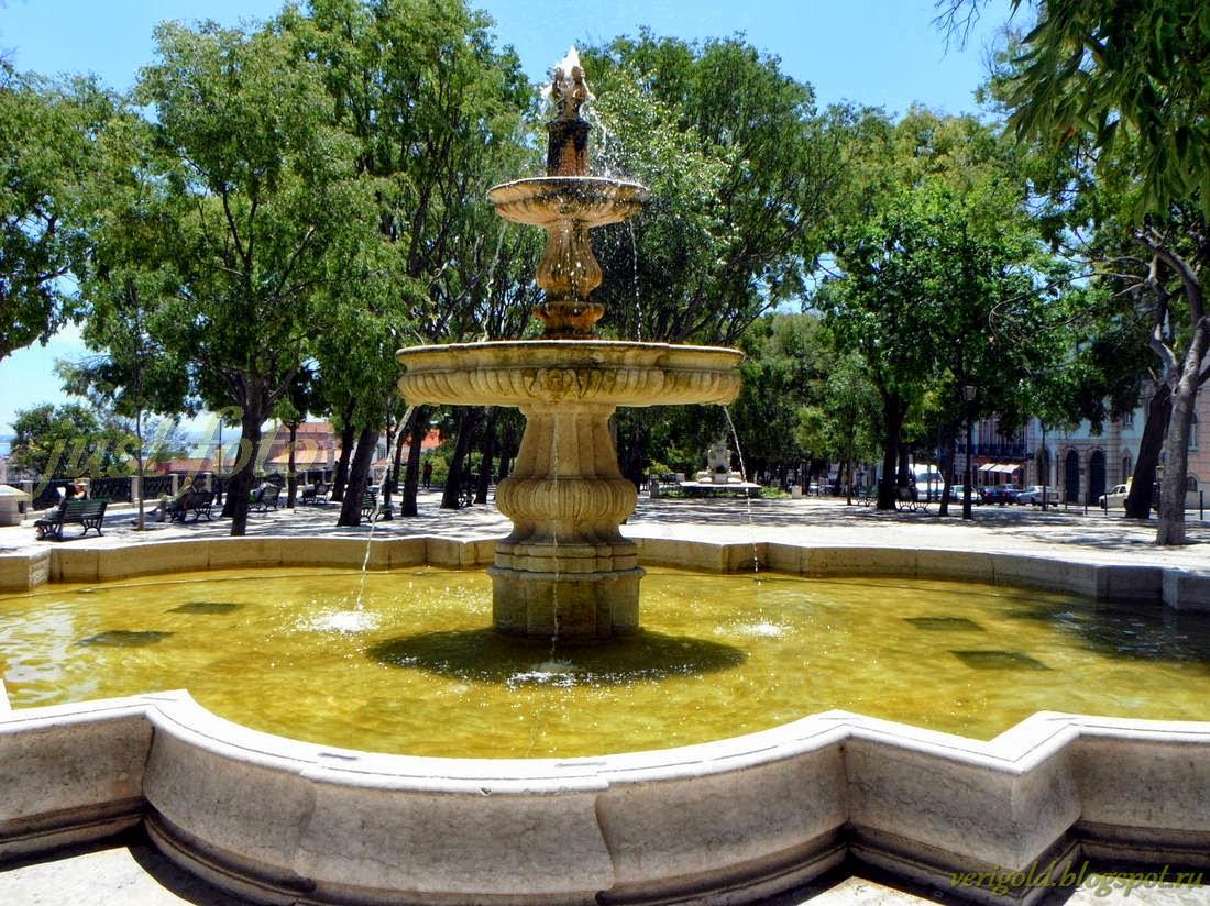 смотровая площадка Дэ Сан Педру дэ Алкантара в Лиссабоне